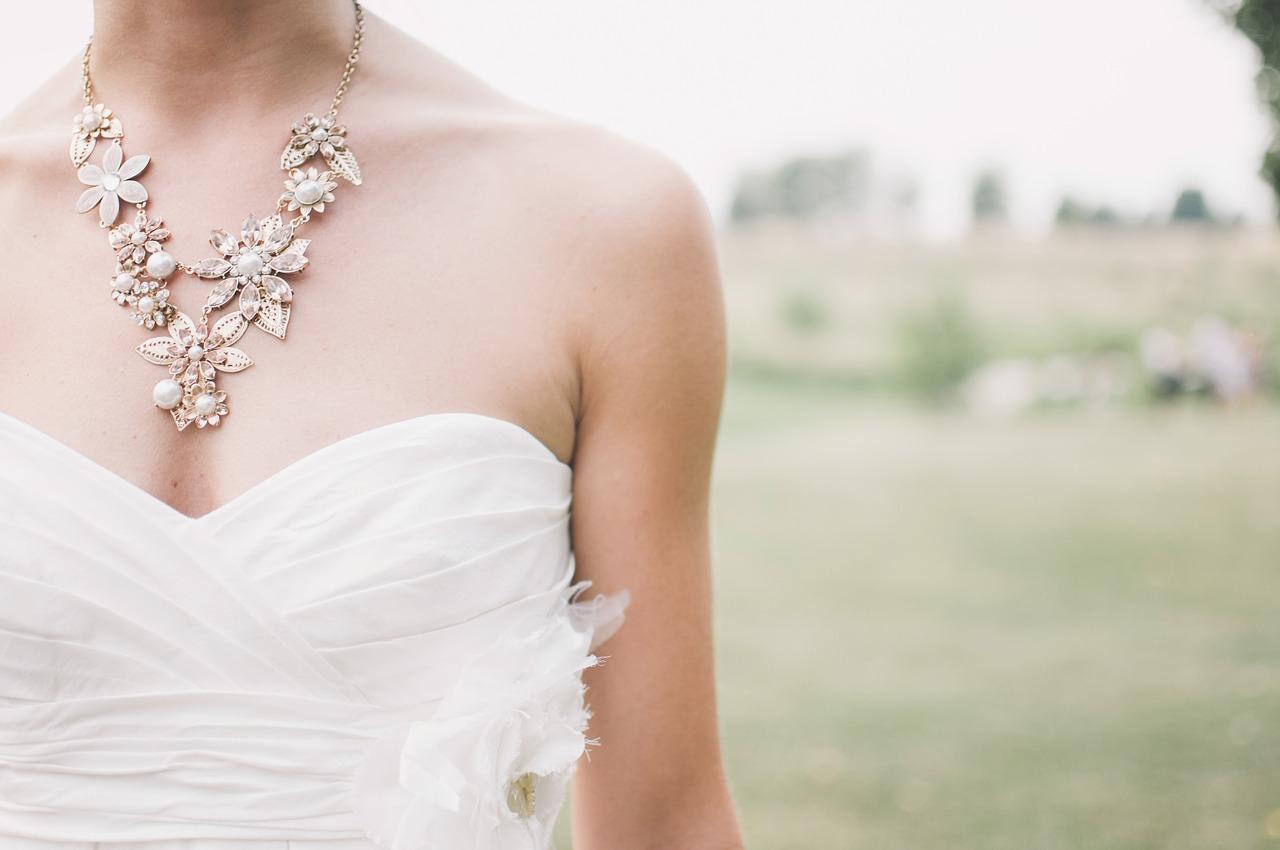 Brautschmuck für den Hochzeitstag